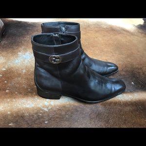 Men's Gucci boots size 8 D.  Fits U.S. size 9
